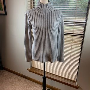 Gap women's ribbed gray turtleneck sweater size M